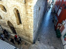 Rooms Goga, hotel in Zadar