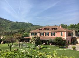 Relais Borgofasceo, hotel in Ortovero