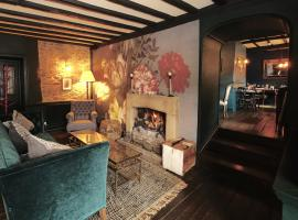 The Bull Hotel, hotel in Fairford