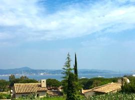 Saint-Tropez walking distance, sea view house, hotel with pools in Saint-Tropez