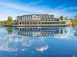 Best Western Plus North Lakes Hotel, hotel near Wet'n'Wild Water World, North Lakes