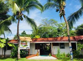 Cabinas Palmer Makanda, hôtel à Cahuita