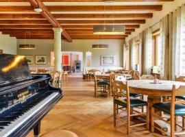 SEINZ Wisdom Resort - das vegan/vegetarische Bio-Seminarhotel, hotel near Kolbensattelbahn, Bad Kohlgrub