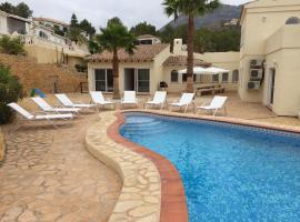 Villa Altea 2 pools - to combine max 36pax, hotel en Altea