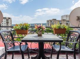 Hotel S.R, hotel in Tbilisi