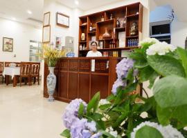 Anh Duc Hotel, pet-friendly hotel in Tam Ðảo