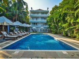 Safira River Front Resort, hotel with pools in Morjim
