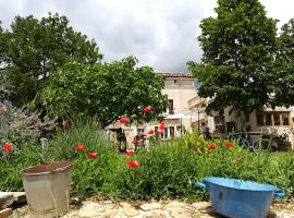 La Ferme Constantin, farm stay in Fayence