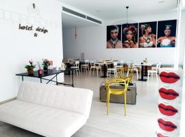 Copacabana Hotel Design, hotel in Margherita di Savoia