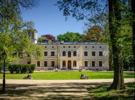 Pałac Wierzbiczany – hotel w mieście Gniewkowo