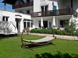 Hotel Oase, отель в Бад-Ишле