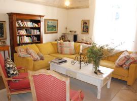 Mas des Comtes de Provence, hotel near Baux-de-Provence Golf Course, Tarascon
