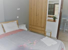 Stellar Apartments II, pet-friendly hotel in Plataniás