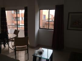 Excelente, moderno, amoblado y bien ubicado apartamento en Laureles, Medellín, apartamento en Medellín