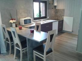 Les Massonnat, apartment in Aix-les-Bains