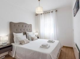 Albufeira Beach Apartment-Medical Assistance-Garage, hotel near Traces of the Old Castle Wall, Albufeira