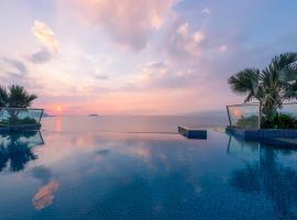 Royal Beach Boton Blue Hotel & Spa, hotel in Nha Trang
