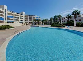 For a Stay Estival Punta Prima, golf hotel in La Pineda