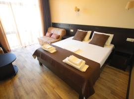 Noy Guest House, hotel with jacuzzis in Vityazevo