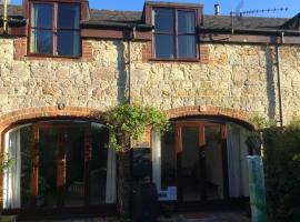 Honeysuckle Cottage, hotel near The Isle of Wight Donkey Sanctuary, Godshill