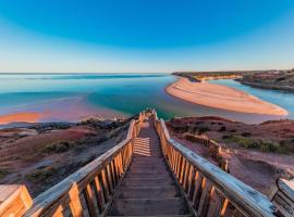 Coast Motel and Apartments, hotel in Port Noarlunga
