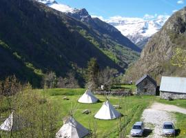 Tipis Gavarnie, luxury tent in Gèdre