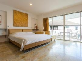 شقق جالاري ثونج تاور الفندقية، شقة في شيانغ ماي