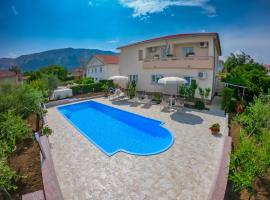 Meri, hotel with pools in Baška