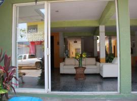 Hotel San Lorenzo, hotel en Barra de Navidad