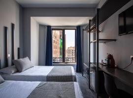 Hostal Carmen, bed and breakfast en Madrid