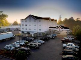 Portland Suites Airport East, accommodation in Portland
