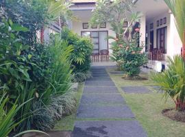 Purnama Guesthouse, beach hotel in Canggu