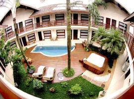 Pousada L'essence, hotel with jacuzzis in Paraty