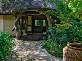 Royal Tree Lodge, luxury tent in Maun