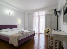 Malion Rooms, hotel near Ecclesiastical Museum of Milos, Adamantas