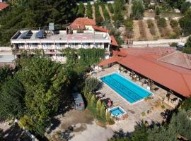 Hotel Dort Mevsim, hotel in Pamukkale