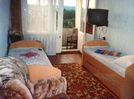 Apartment on Akademicheskaya 10, beach hotel in Listvyanka