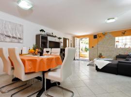 Apartment Punda, hotel near Joker Shopping Centre, Split