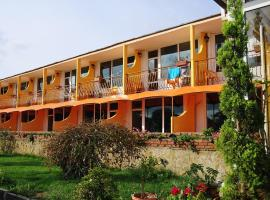 Hotel Surf, отель в Приморско