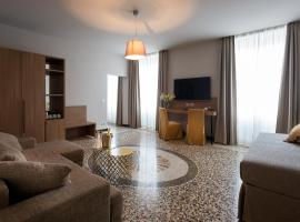 HNN Luxury Suites, hotel a Genova