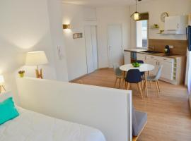 Studio Liberté Plein Centre, apartment in Saint-Raphaël