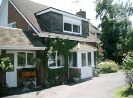 Holly House B&B, hotel near Medway Services M2, Sittingbourne