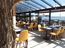Hôtel du Port Bar Restaurant, hôtel à Sarzeau