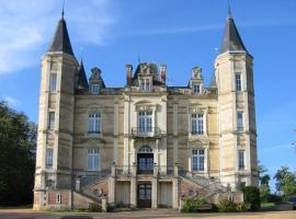 Chateau De La Moriniere, B&B in Beaupréau