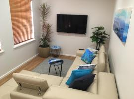 Stylish North Perth on Cafe strip, apartment in Perth