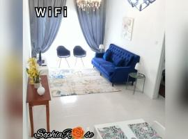 Muslim SophiaRose House With Balcony, golf hotel in Cameron Highlands