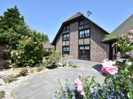 Spacious Mansion with Meadow View in Bruinisse, hotel in Bruinisse