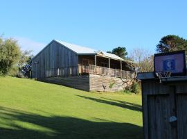 Clifton Beach Lodge, hotel near 12 Apostles, Princetown