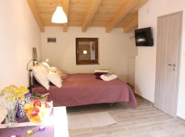 Nana Marusa Home, budget hotel in Pag