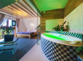 ECO Villa Grand Karpatia Ski&Spa, hotel in Murzasichle